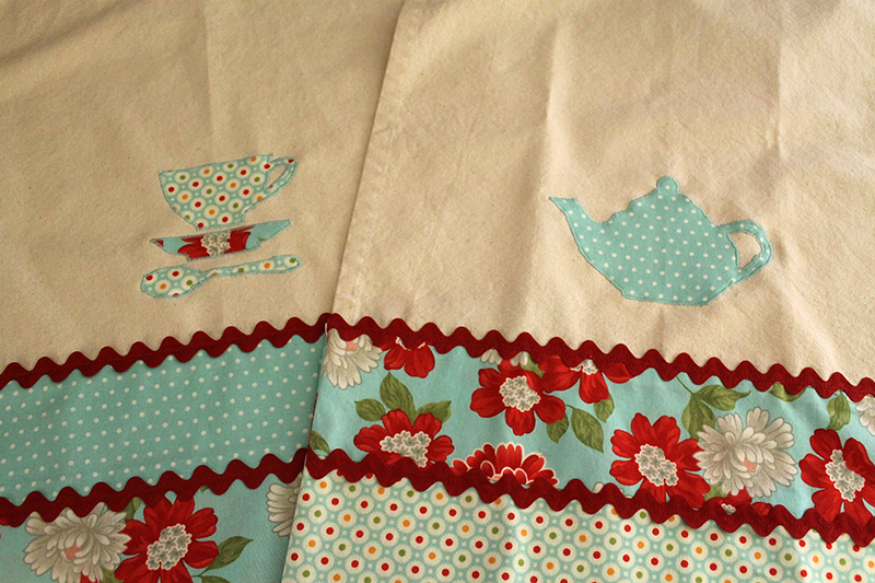 Tea towels with Moda Toweling and fabric by Bonnie and Camille